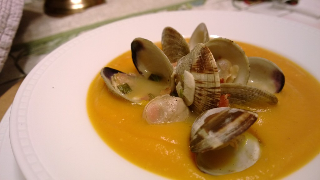 (Paleo) Squash Soup with Clams and Bacon