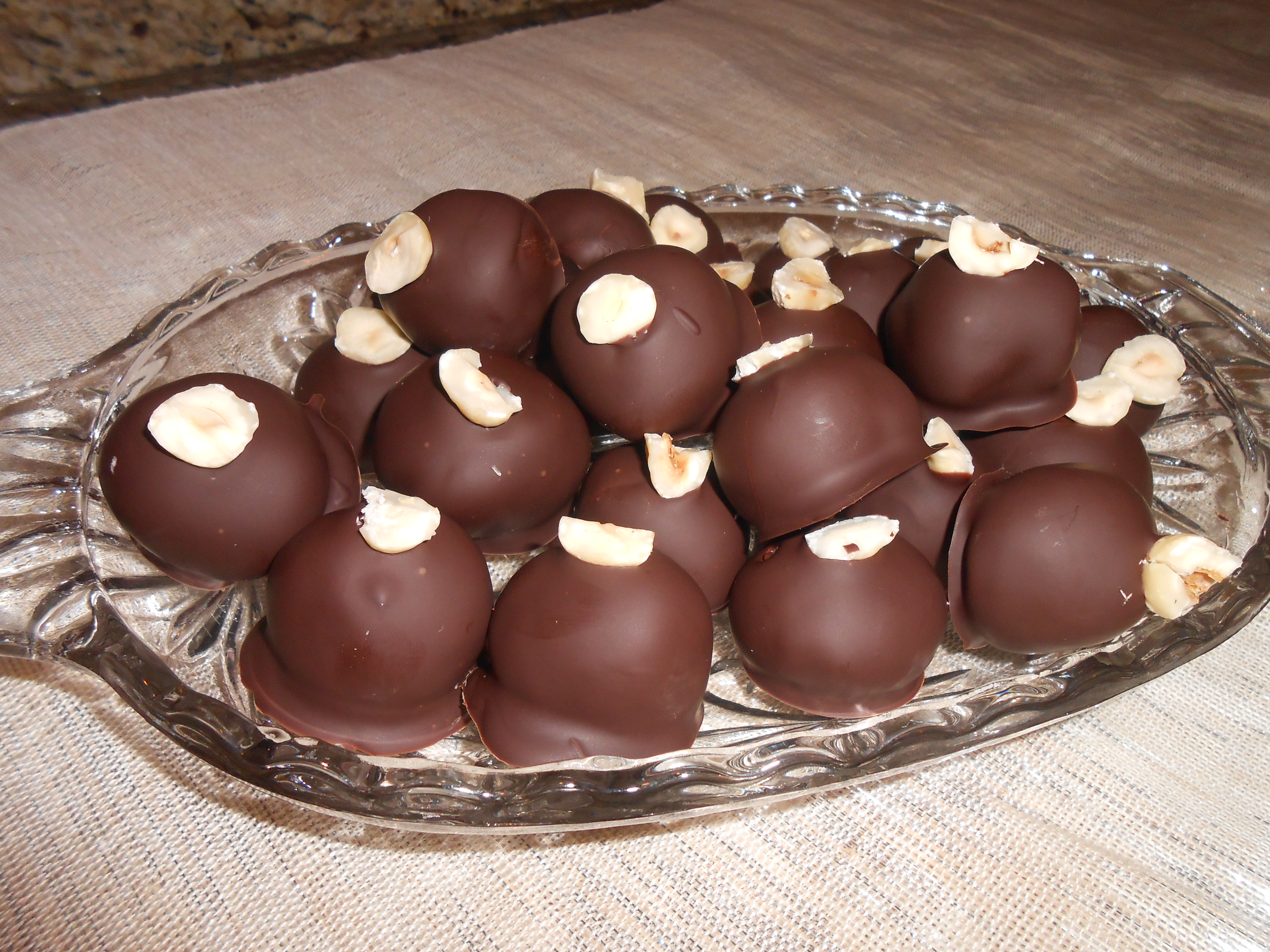 Best Chocolate Truffles. A perfect Sunday Project! » The Fast and ...
